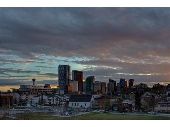 224 6a St Ne, Calgary, AB - CAN (photo 3)