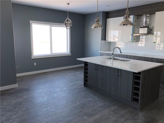 1204 Iron Landing Wy, Crossfield, AB - CAN (photo 4)
