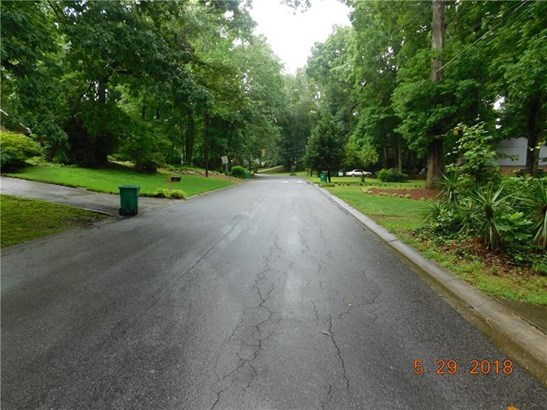 489 Hickory Hills Drive, Stone Mountain, GA - USA (photo 2)