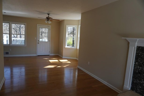 126 Oak Landing Court, Douglasville, GA - USA (photo 5)