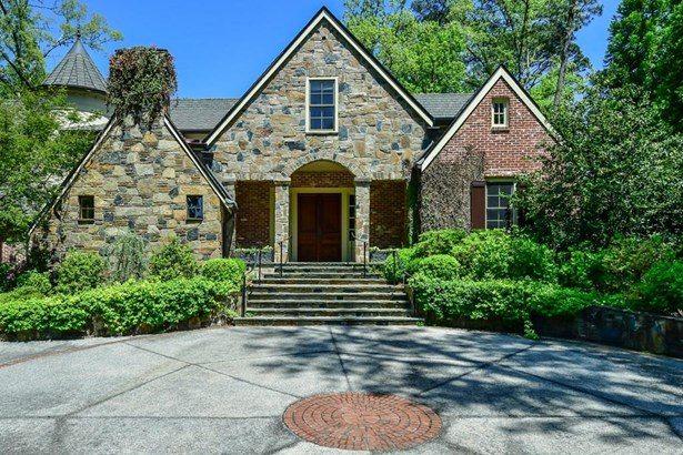 3851 Club Drive Ne, Atlanta, GA - USA (photo 2)