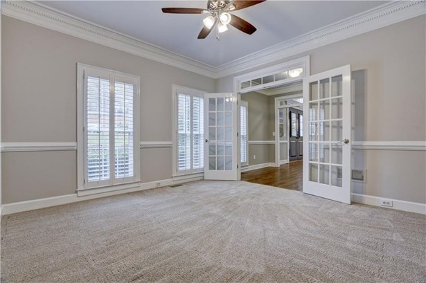 2875 Stoneglen Close, Roswell, GA - USA (photo 5)