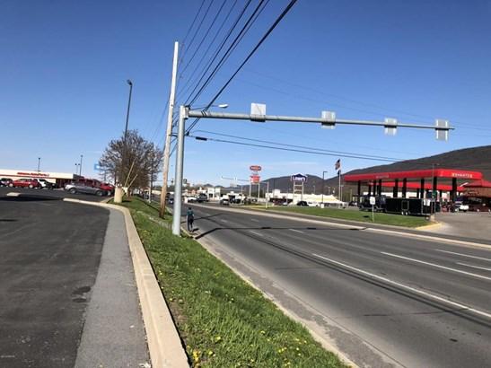 200 Hogan Boulevard, Mill Hall, PA - USA (photo 1)