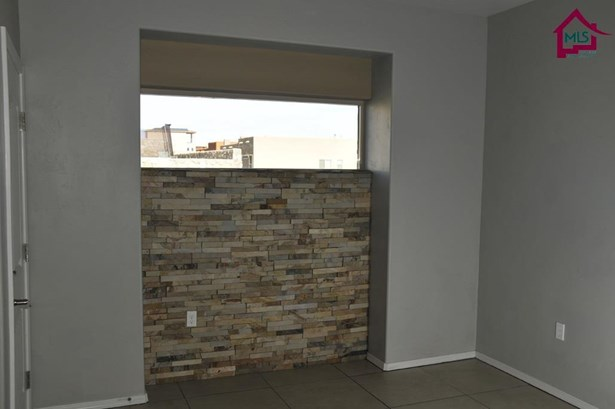 Contemporary, House - Las Cruces, NM (photo 2)