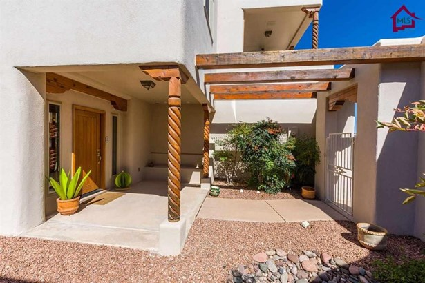 Contemporary, House - Las Cruces, NM (photo 4)