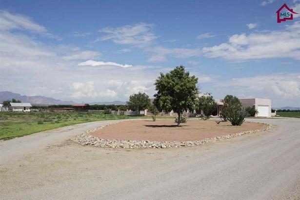 Ranch, House - La Mesa, NM (photo 2)