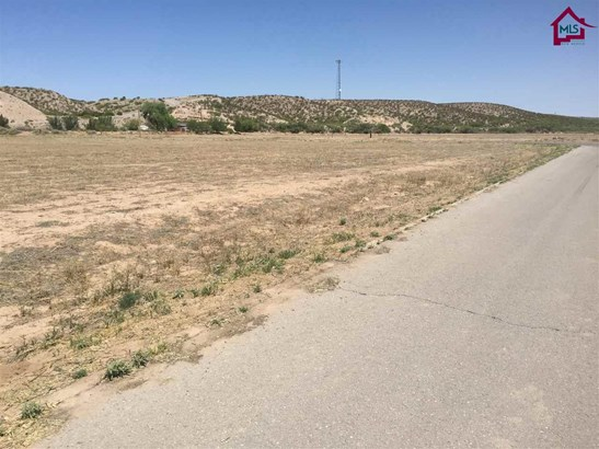 Res Lots - Single Family - RADIUM SPRINGS, NM (photo 2)