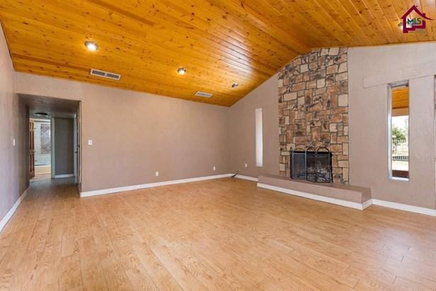 House - Anthony, NM (photo 4)