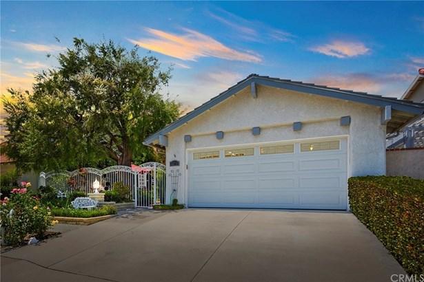 Single Family Residence - Mission Viejo, CA