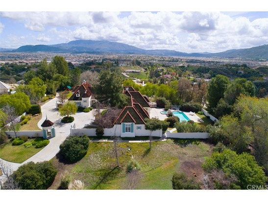 French, Single Family Residence - Temecula, CA (photo 2)