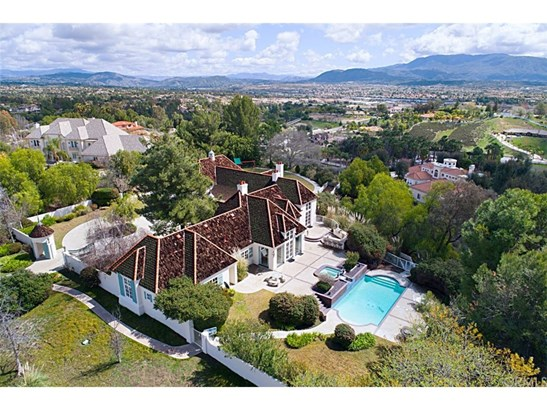 French, Single Family Residence - Temecula, CA (photo 3)