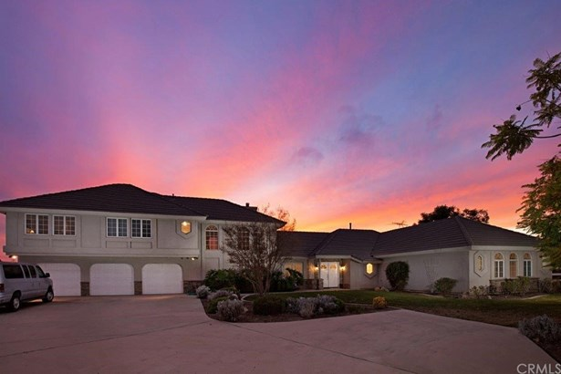 Single Family Residence, Custom Built - Temecula, CA (photo 3)