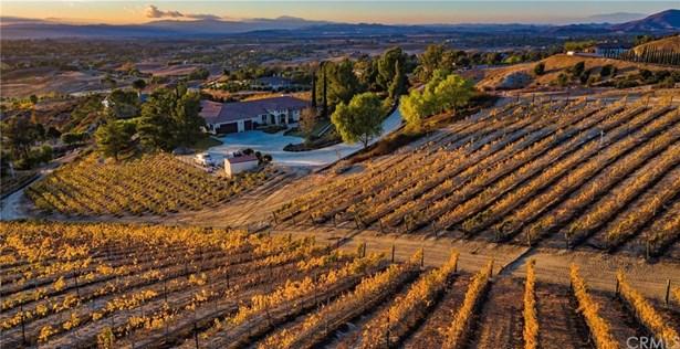 Mediterranean, Single Family Residence - Temecula, CA