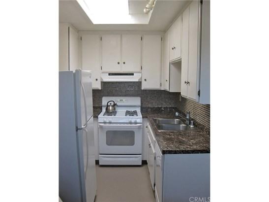 Condominium - San Diego, CA (photo 3)