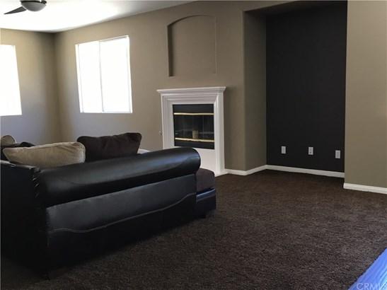 Single Family Residence, Contemporary - Wildomar, CA (photo 3)