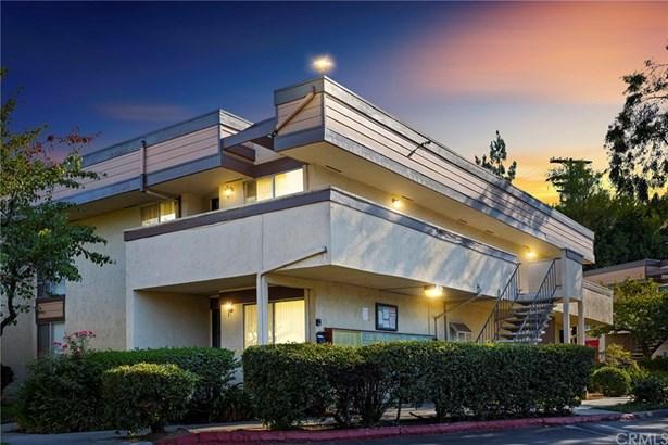Condominium - El Cajon, CA