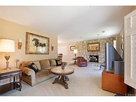Single Family Residence, Contemporary - Temecula, CA (photo 5)