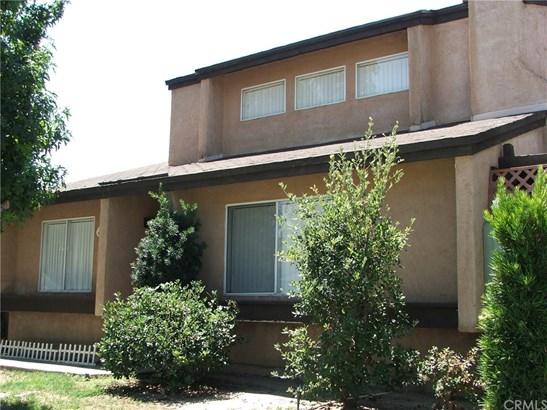 Condominium - Lake Elsinore, CA (photo 2)
