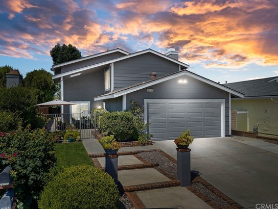 Single Family Residence, Traditional - Mission Viejo, CA