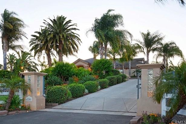 Mediterranean, Single Family Residence - Murrieta, CA (photo 3)