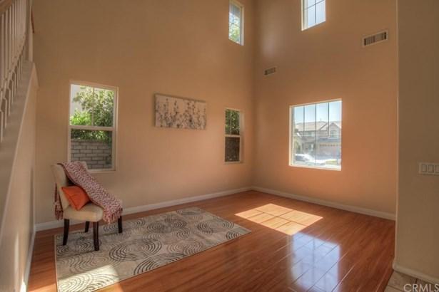 Single Family Residence, Craftsman - Corona, CA (photo 4)