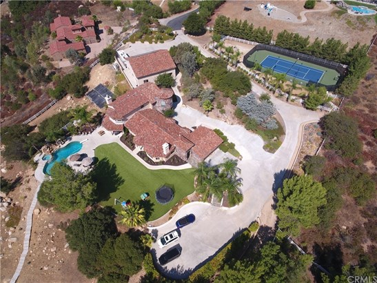 Single Family Residence, Traditional - Murrieta, CA