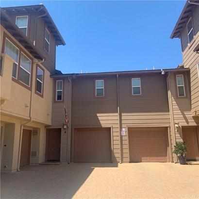 Condominium - Murrieta, CA