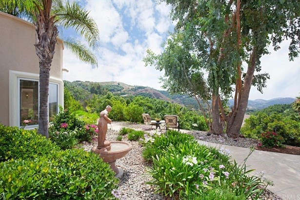 Mediterranean, Single Family Residence - Temecula, CA (photo 5)