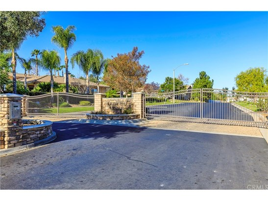 Single Family Residence, Contemporary - Murrieta, CA (photo 4)