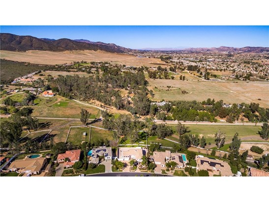 Single Family Residence, Contemporary - Murrieta, CA (photo 5)