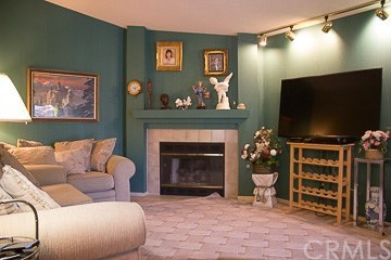 Single Family Residence, Traditional - Hemet, CA (photo 4)
