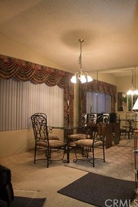 Single Family Residence, Traditional - Hemet, CA (photo 5)