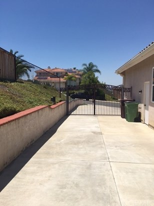 Single Family Residence, Contemporary - Murrieta, CA (photo 3)