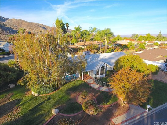 Cape Cod, Single Family Residence - Hemet, CA