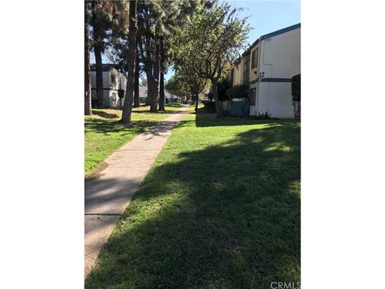 Condominium - Escondido, CA (photo 2)