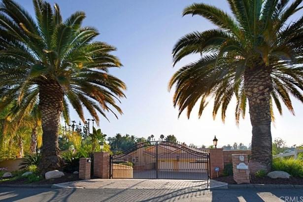 Mediterranean, Single Family Residence - Temecula, CA (photo 3)