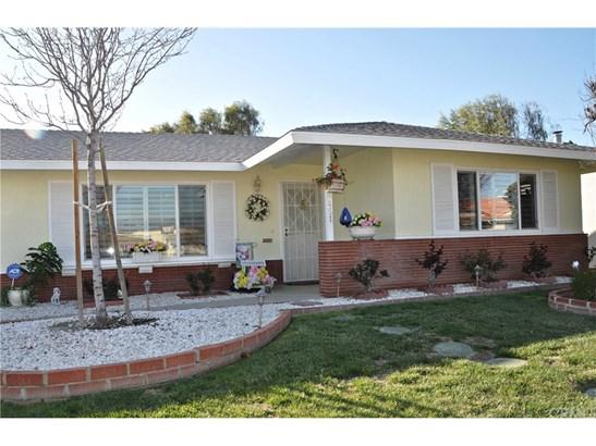 Single Family Residence, Traditional - Hemet, CA (photo 3)