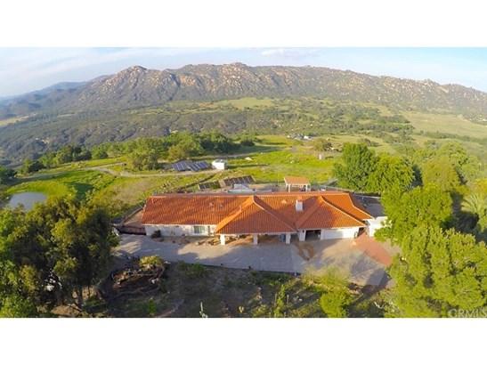 Single Family Residence, Spanish - Fallbrook, CA (photo 1)
