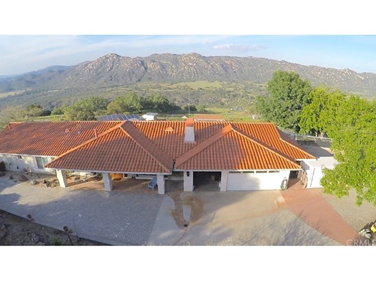 Single Family Residence, Spanish - Fallbrook, CA (photo 2)