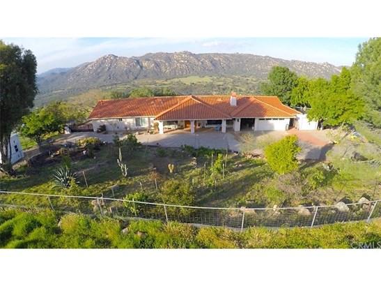 Single Family Residence, Spanish - Fallbrook, CA (photo 3)