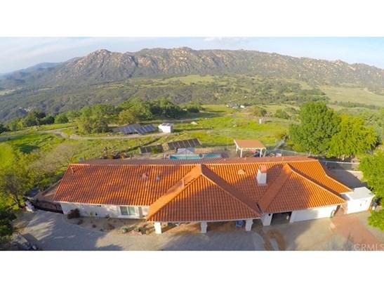 Single Family Residence, Spanish - Fallbrook, CA (photo 4)