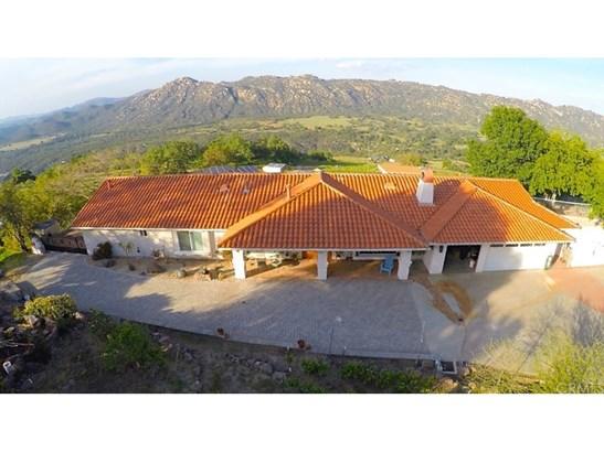 Single Family Residence, Spanish - Fallbrook, CA (photo 5)