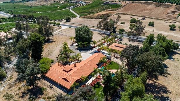 Single Family Residence, Ranch,Spanish - Temecula, CA