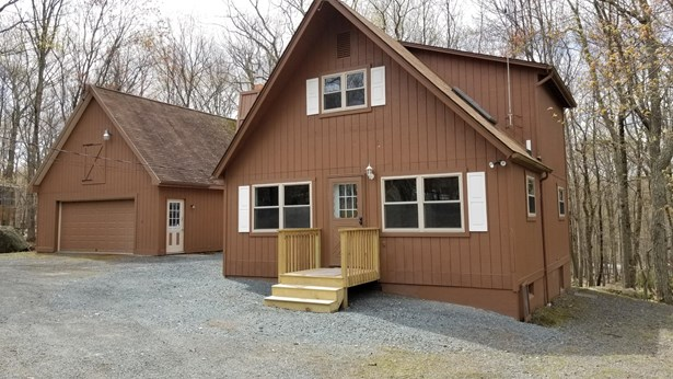 Chalet, Detached - Lords Valley, PA