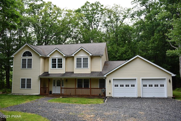 Detached, Colonial,Contemporary - Lords Valley, PA