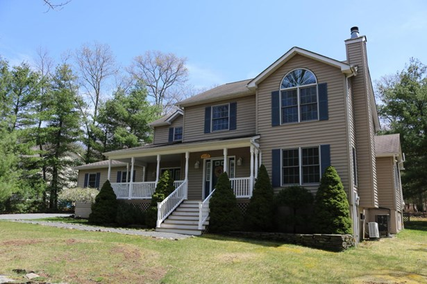 Colonial, Detached - Tafton, PA