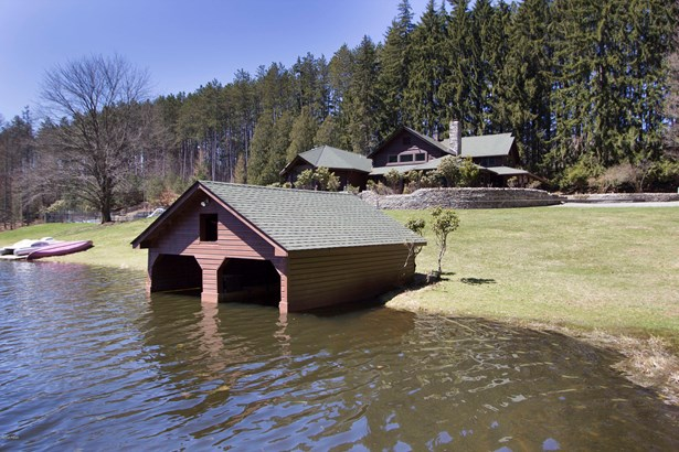 Residential, Log Home - Honesdale, PA (photo 3)