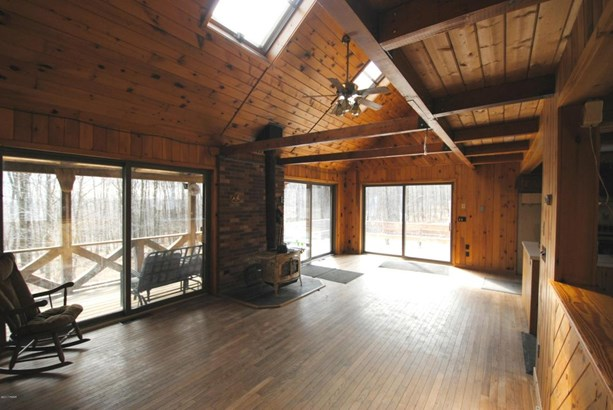 Detached, Log Home - Lakewood, PA (photo 2)
