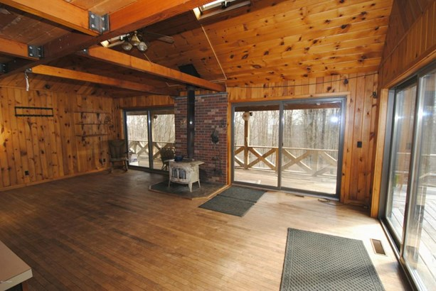 Detached, Log Home - Lakewood, PA (photo 5)