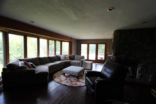 Contemporary, Detached - Beach Lake, PA (photo 5)